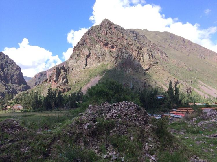 The Sacred Valley approaching Mlantaytambo